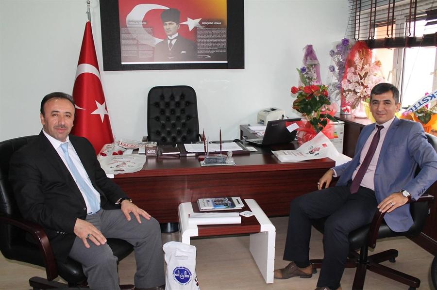 Resim İlçe Müftüsü Arcaklıoğlu, Özdemir'i Ziyaret Etti