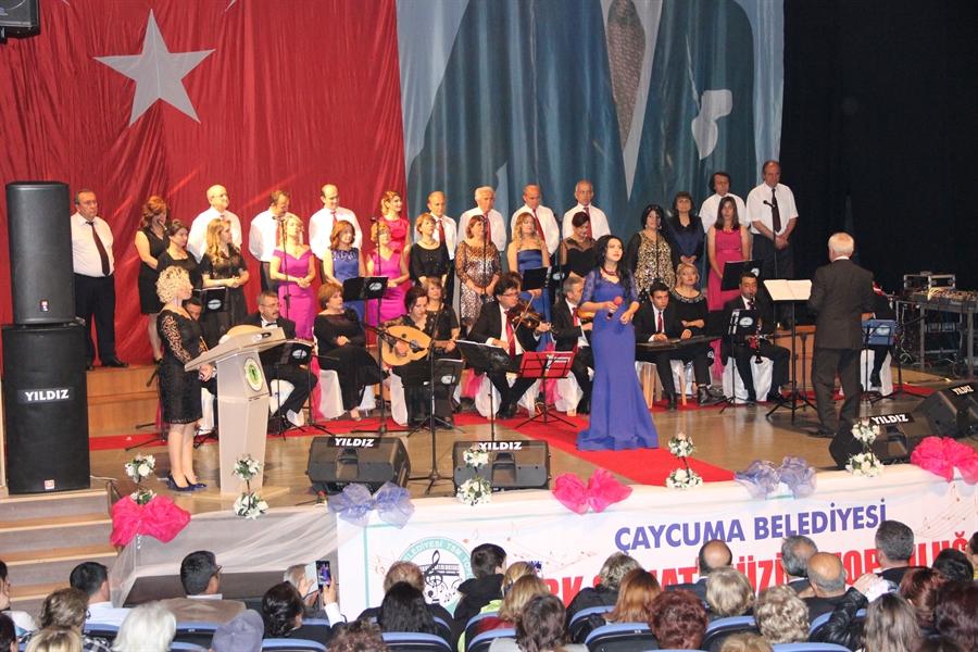 Resim Türk Sanat Müziği Topluluğu'nun 17. Bahar Konserine Yoğun İlgi