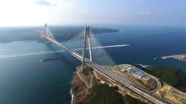 Resim Yavuz Sultan Selim Köprüsü'nün Tacı Giydirildi