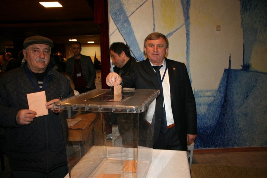 Resim Ziraat Odası Başkanı Rıza Çapkın Güven Tazeledi