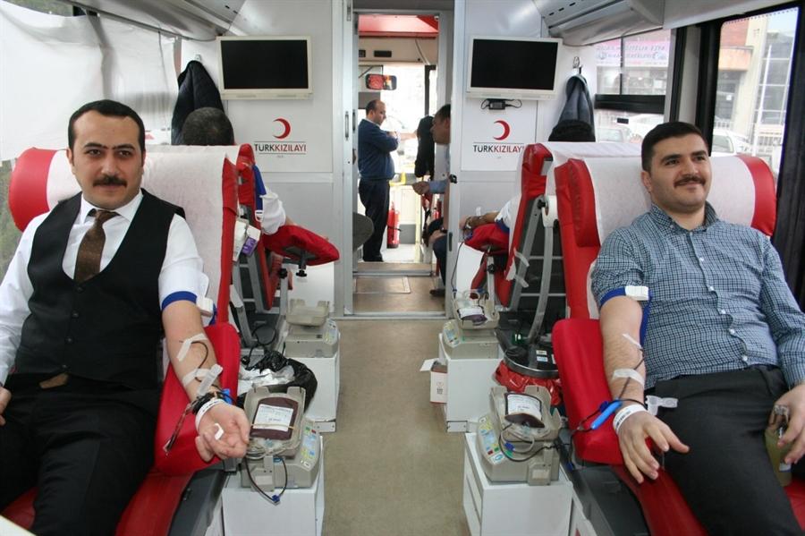 Resim Çaycuma Adliye Personelinden Kan Bağışı